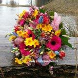 bruidsboeket voorjaar bont_
